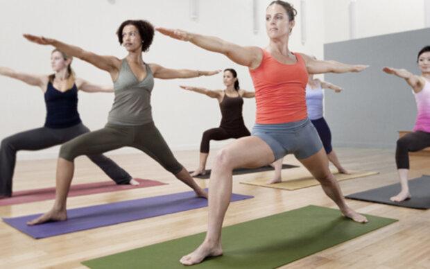 yoga baut muskeln auf und fett ab. Black Bedroom Furniture Sets. Home Design Ideas