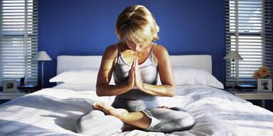 Yoga: Fit für den Tag in nur 5 Minuten - ohne Aufstehen