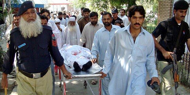 Taliban schießen Mädchen (14) nieder
