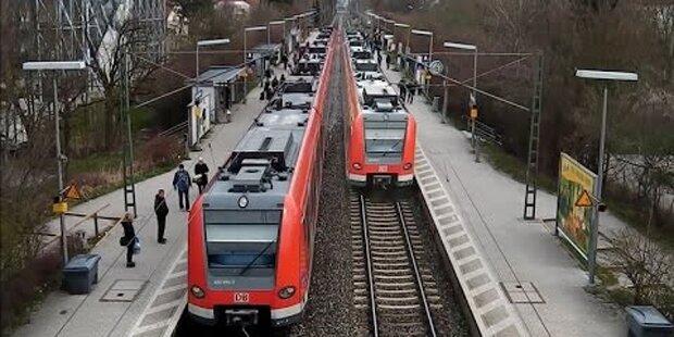 Tragischer Unfall: 2 Männer von Zug-Sog erfasst