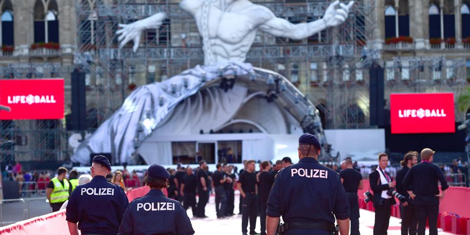 Life Ball Polizei