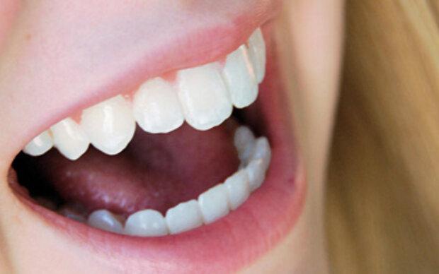Putzen gegen den Zahnfeind im Mund