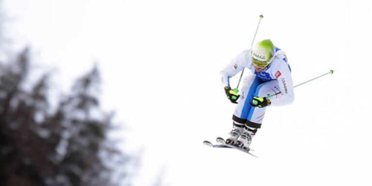 Schwerer Sturz bei Skicross-Rennen