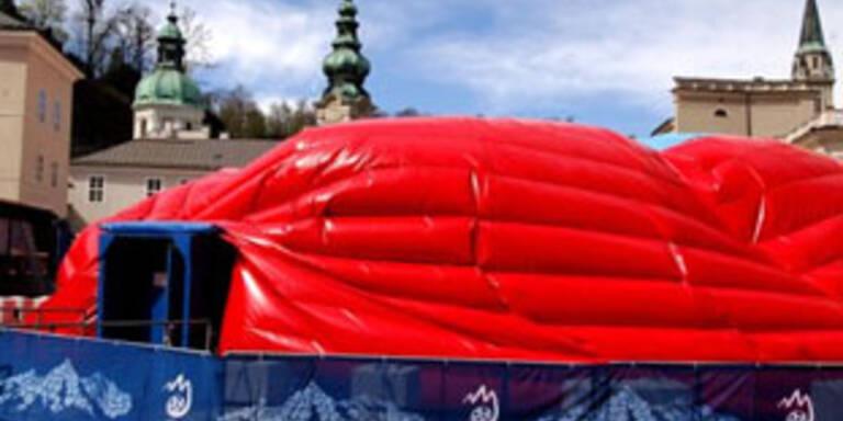 Riesenzelt für EURO-Ausstellung in Salzburg stürzte zusammen