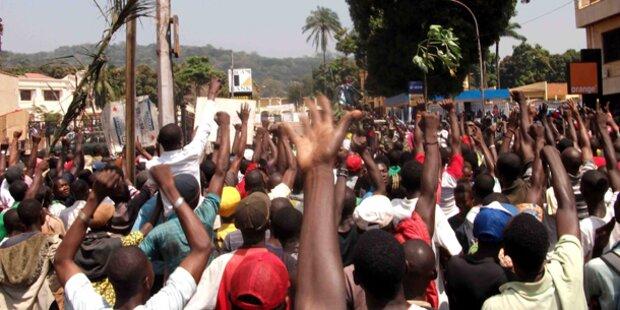 Zentralafrika: Verfassung außer Kraft