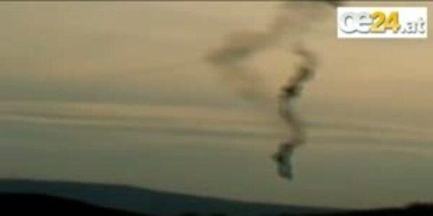 Zeppelin fängt Feuer und stürzt ab