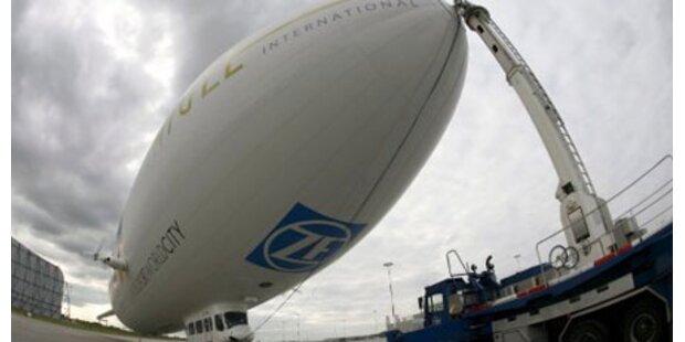 Pariser Polizei setzt Zeppelin ein