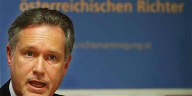 "Richter empört über Prölls ""CSI-Hypo"""