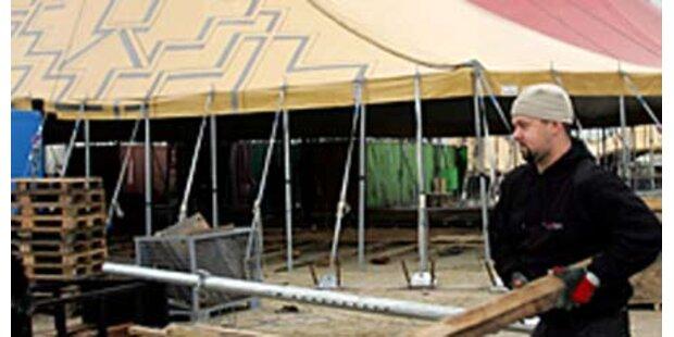 Zirkus-Tribüne in Lissabon eingestürzt