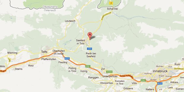 Reisebus kracht in Tirol gegen Felsen