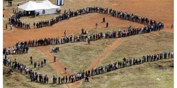 In Südafrika gehen die Stimmzettel aus