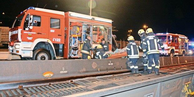Zwei illegale Flüchtlinge auf Güterzug getötet