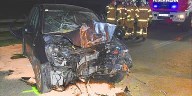 Pkw crasht in Baum – 37-Jährige tot