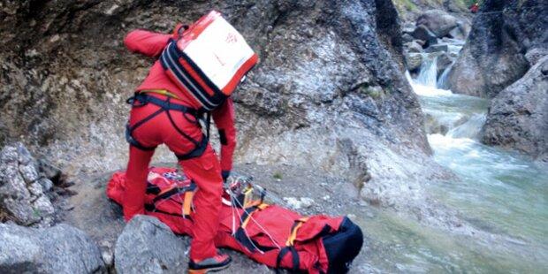 Wunder: Bub überlebt 33-Meter-Absturz