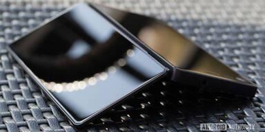 Erstes faltbares Smartphone ist fertig