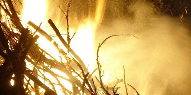 Exorzismus: Pfarrer lässt Frau lebendig verbrennen
