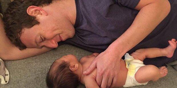 Mark Zuckerberg zeigt sein Töchterchen