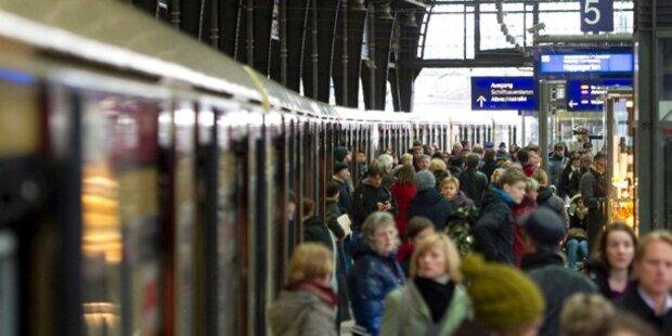 Stromausfall: Tausende sitzen in S-Bahn fest