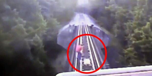 Überlebt: Frauen von Zug überrollt