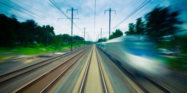 19-jähriger Autolenker von Zug erfasst