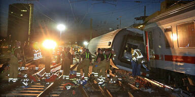 Zug-Crash: Eurocity-Waggons entgleist
