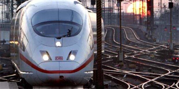 120 Menschen mussten aus überfülltem Zug