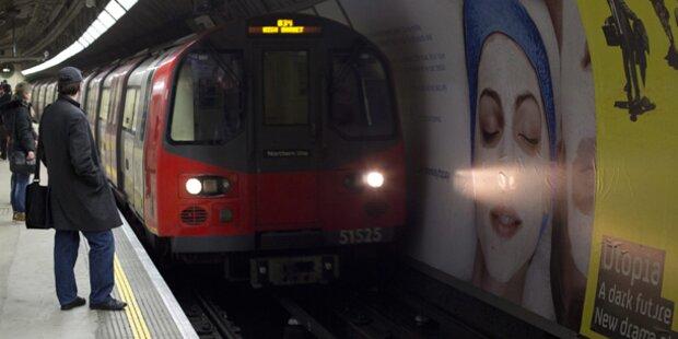 Feuer an Zug in London - Bahnhof evakuiert