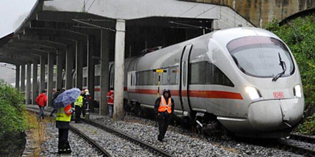 Deutscher Zug in Tirol entgleist