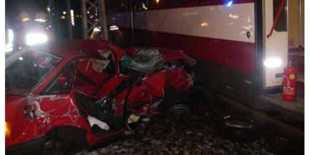 Bayer bei Zug-Crash nur leicht verletzt