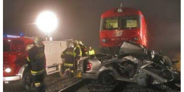 Zwei Tote bei Bahn-Crash im Bezirk Horn