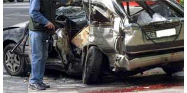 54-jährige PKW-Lenkerin nach Frontal-Crash tot